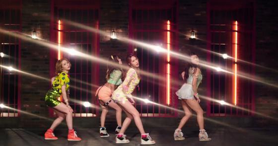 Jewelry (쥬얼리) – Hot and Cold (핫 앤 콜드) MBC FM4U Kim Shin Young Radio Performance 2013/07/18